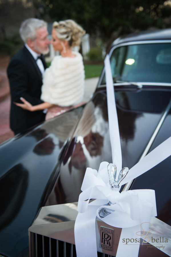 Love the ribbon and the reflection of the happy couple on the shiny Rolls Royce!