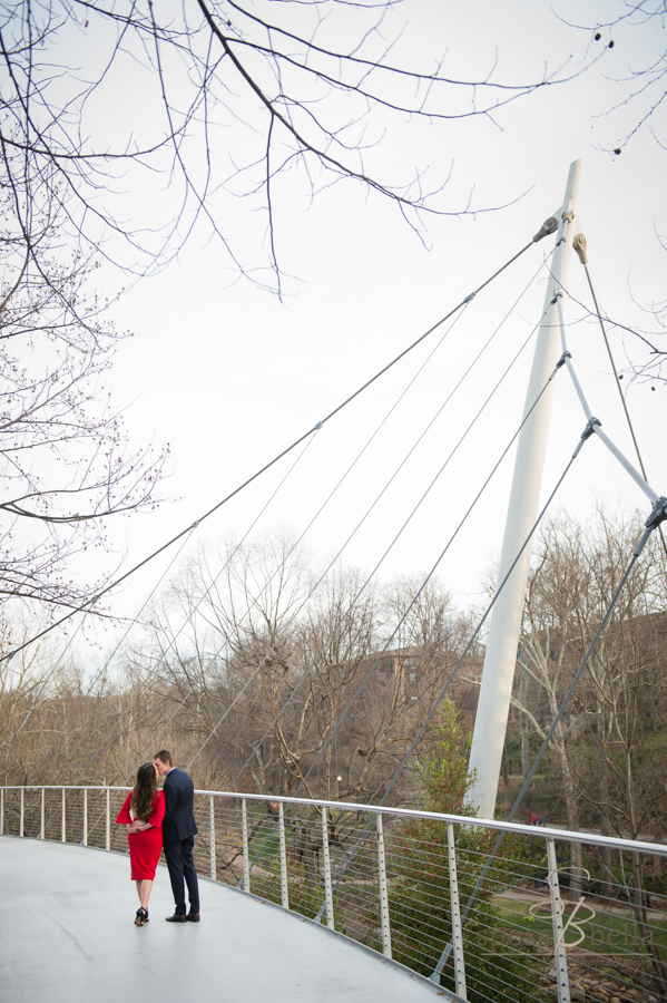 It took a few minutes of waiting, but we finally got this romantic moment on the Liberty Bridge with none else around!
