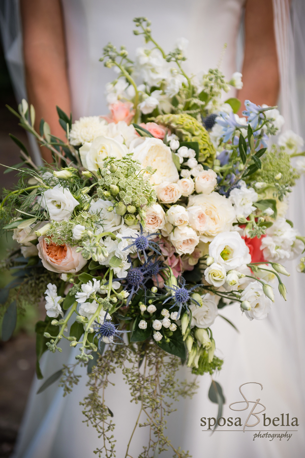Leland's bouquet was reminiscent of wild mountain flowers.